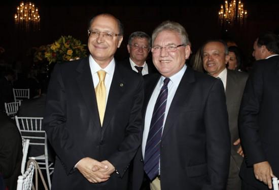 J.G. Vantine ao lado do Governador do Estado de São Paulo Geraldo Alkmin